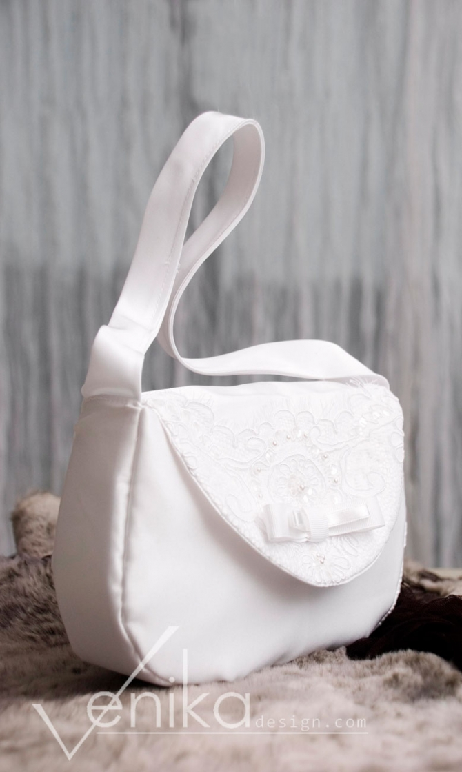 Satin handbag with decorated lace