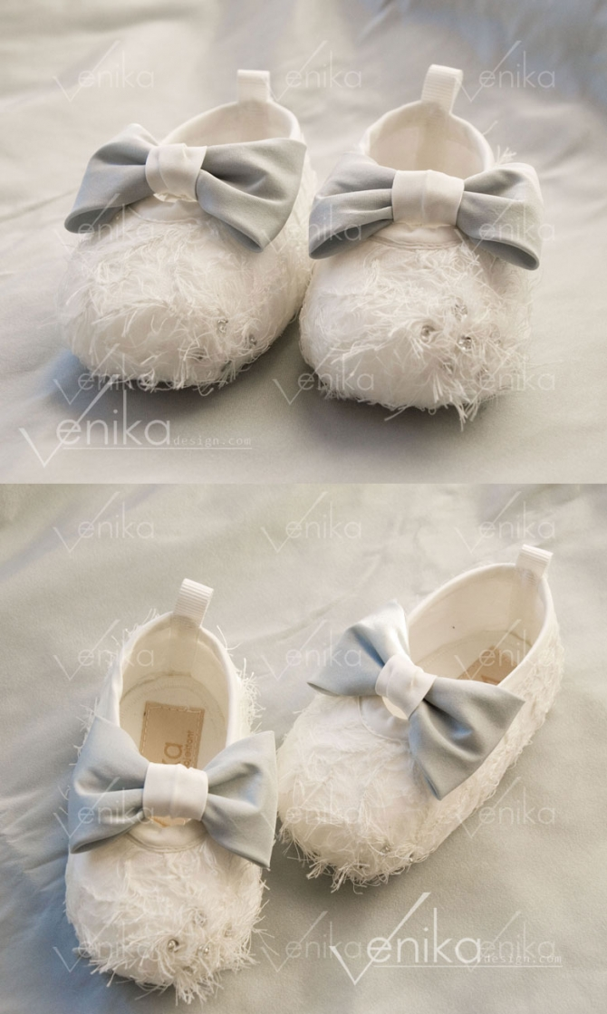 Baptism shoes with blue bow